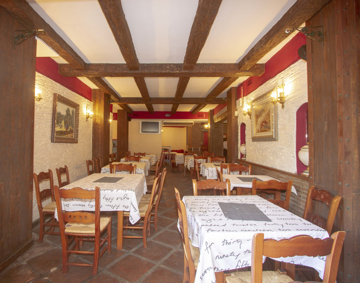 Restaurant at only 300 meters from the beach, Marbesa area, in Marbella. In floor -2. Two toilets, w, Spain