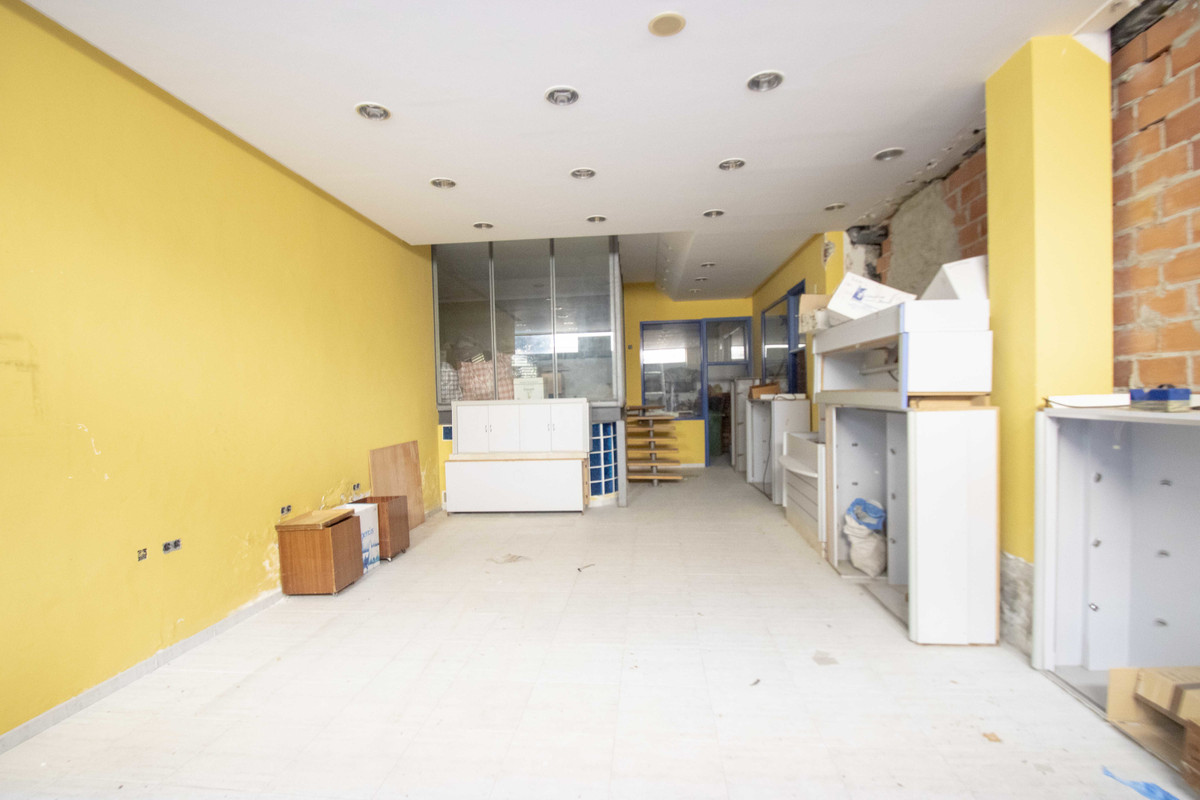 For Sale !!! LOCAL commercial downtown, with 122 m2 of surface. Property in a good area, south facin,Spain