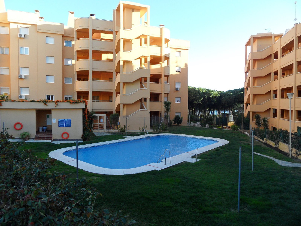 Situated next to the beach - Calahonda - Bosque Olivio - cheapest property on the complex !  Very Ni, Spain