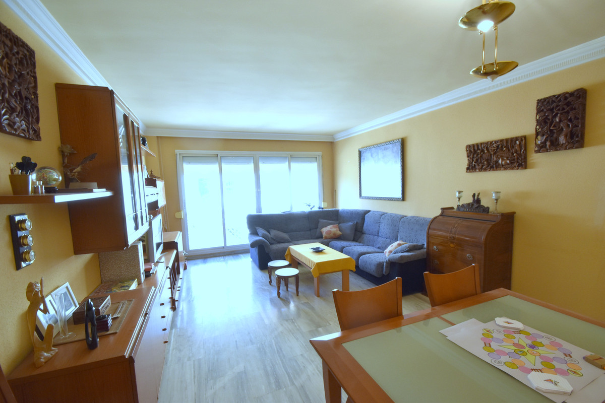 REDUCED !!!! Spacious duplex in urbanization of only 12 neighbors in Montemar, about 500 meters to tSpain