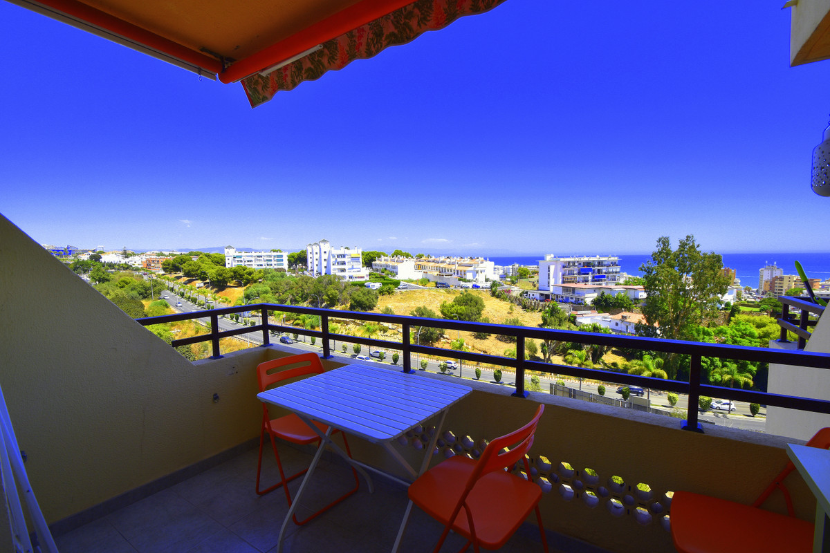 Beautiful, refurbished and spacious apartment,  terrace with sea views, private area with large comm Spain