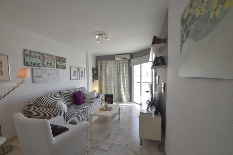 Middle Floor Apartment in Montemar for sale
