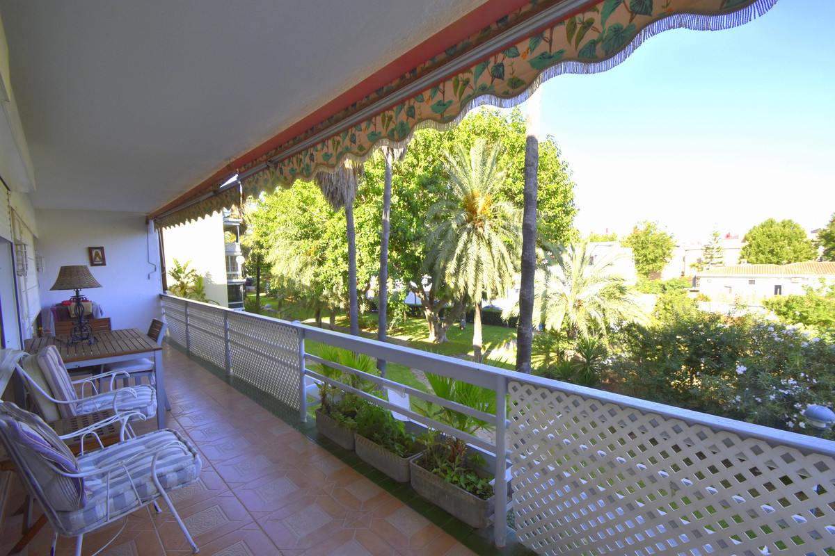Very spacious beautiful apartment , in the area of ??La Carihuela , all renovated, spacious living r, Spain