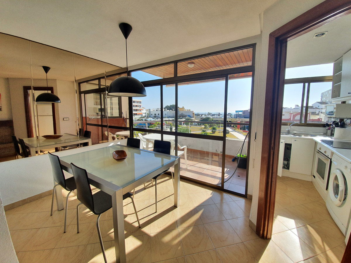 Magnificent opportunity! Spacious apartment in the center of Torremolinos but in a quiet area, away ,Spain