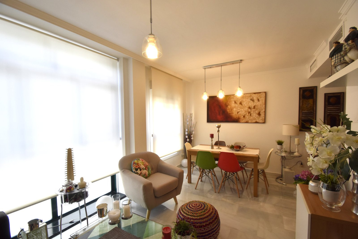 Beautiful and contemporary, ready to move in! Excellent location, walking distance to the center and, Spain