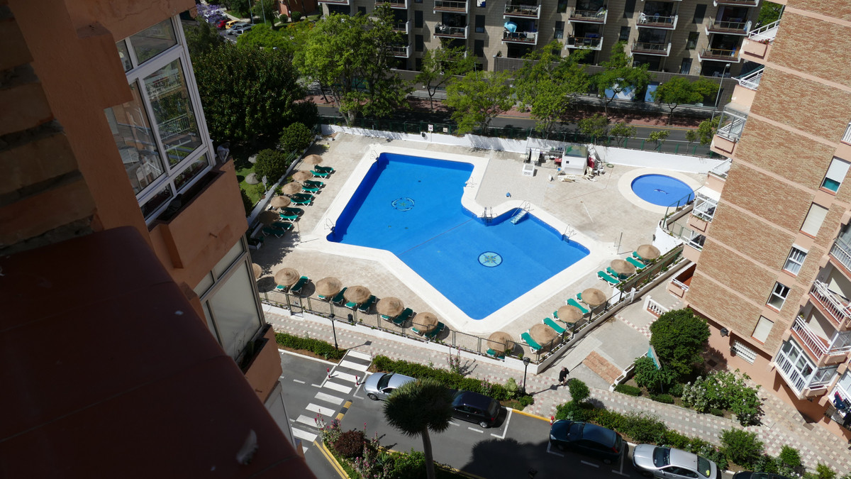 Well maintained one bedroom apartment in the Centre of Arroyo de la Miel located in the Edificio Acu,Spain