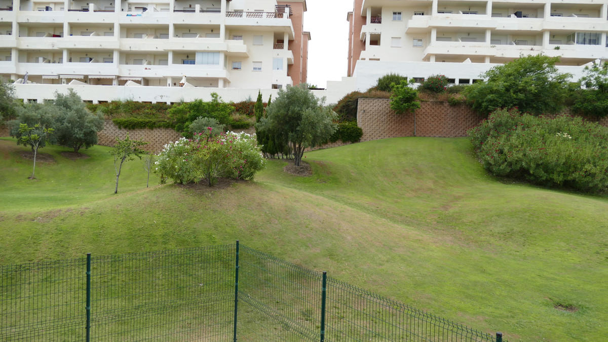 Front line golf apartment located  within the very popular Arenal golf urbanisation.  Arenal golf of,Spain
