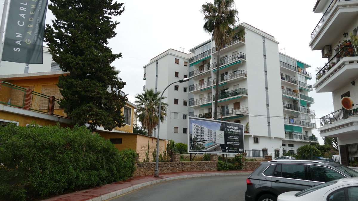 Benalmadena Costa, two bedroom apartment in the urbanisation Silica. This property is offered very C, Spain