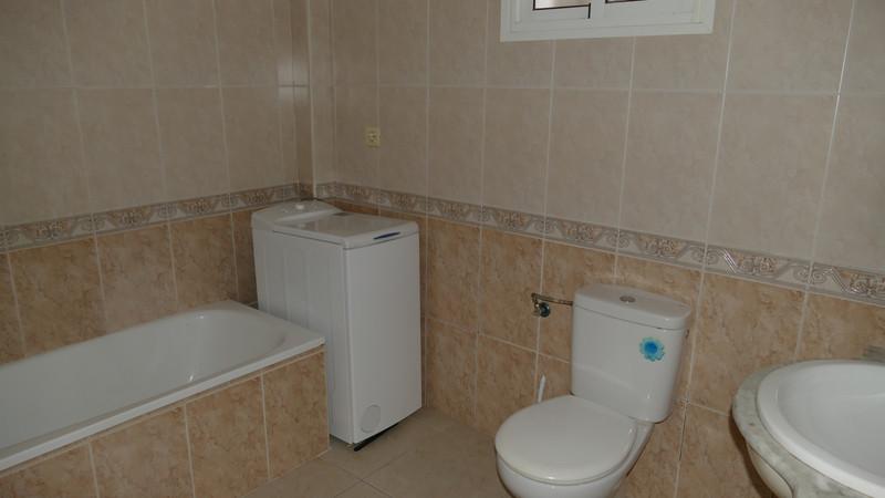 Ground Floor Apartment for sale in Benalmadena Costa - R3555691