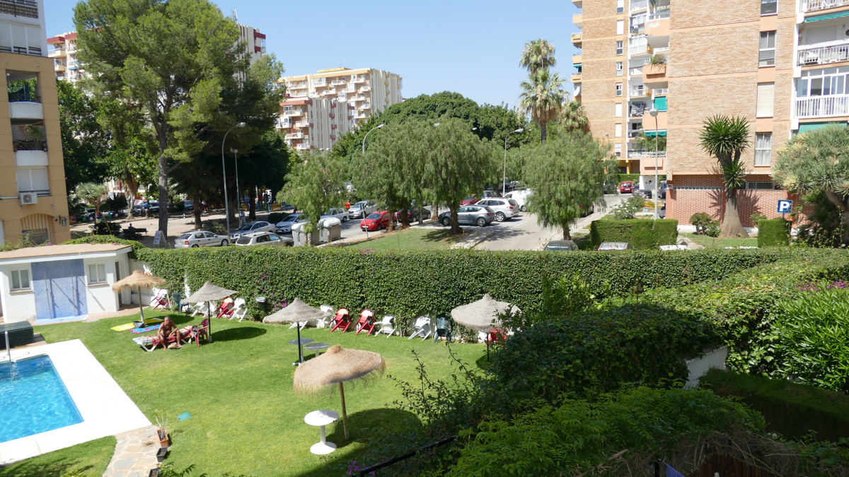 REDUCED FOR QUICK SALE --- NO OFFERS Arroyo centre Great opportunity to purchase this two bedroom ap Spain
