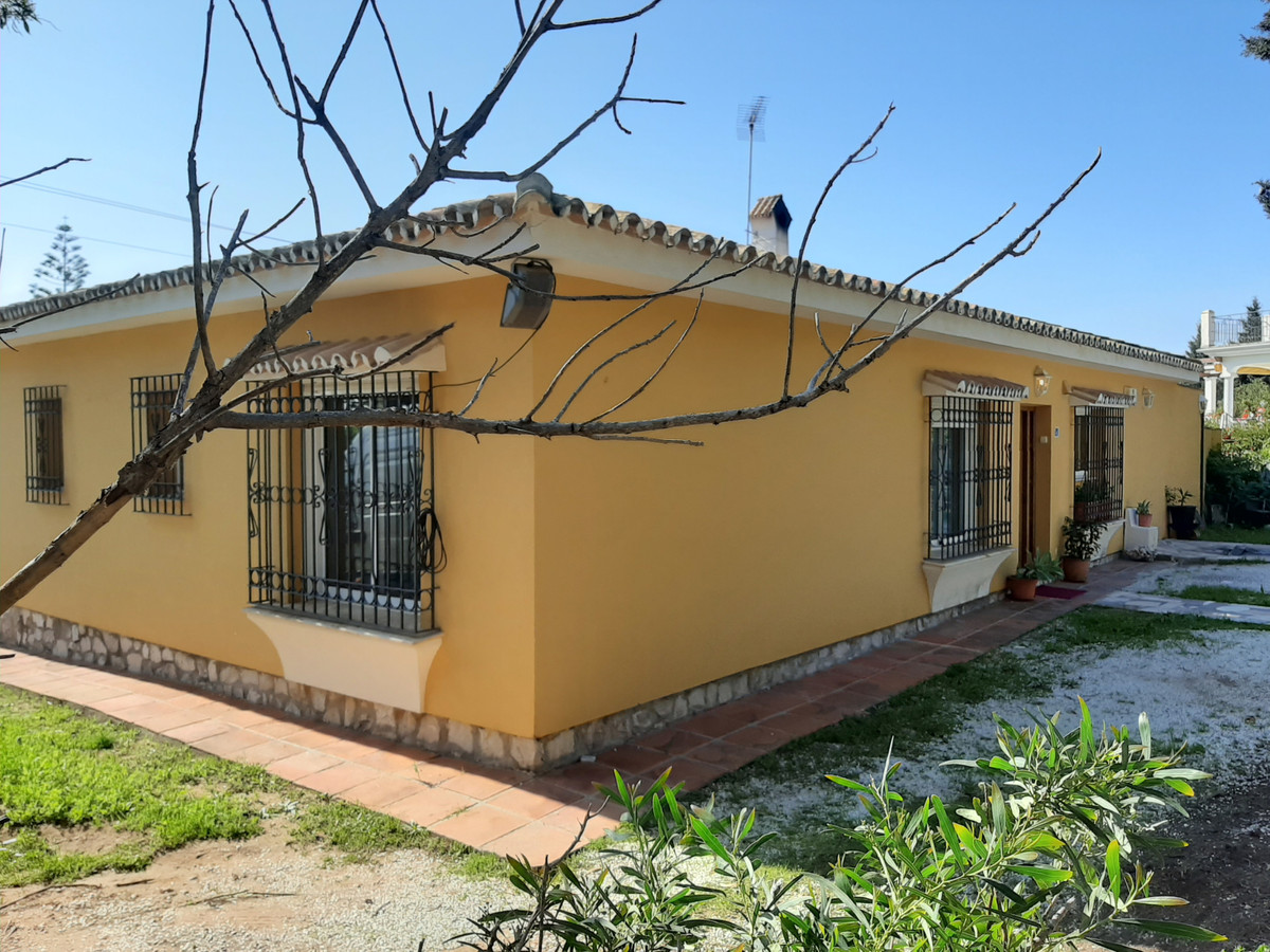 Detached Villa in the prestigious urbanisation of El Chaparral, close to La Cala de Mijas.  This 3 b,Spain