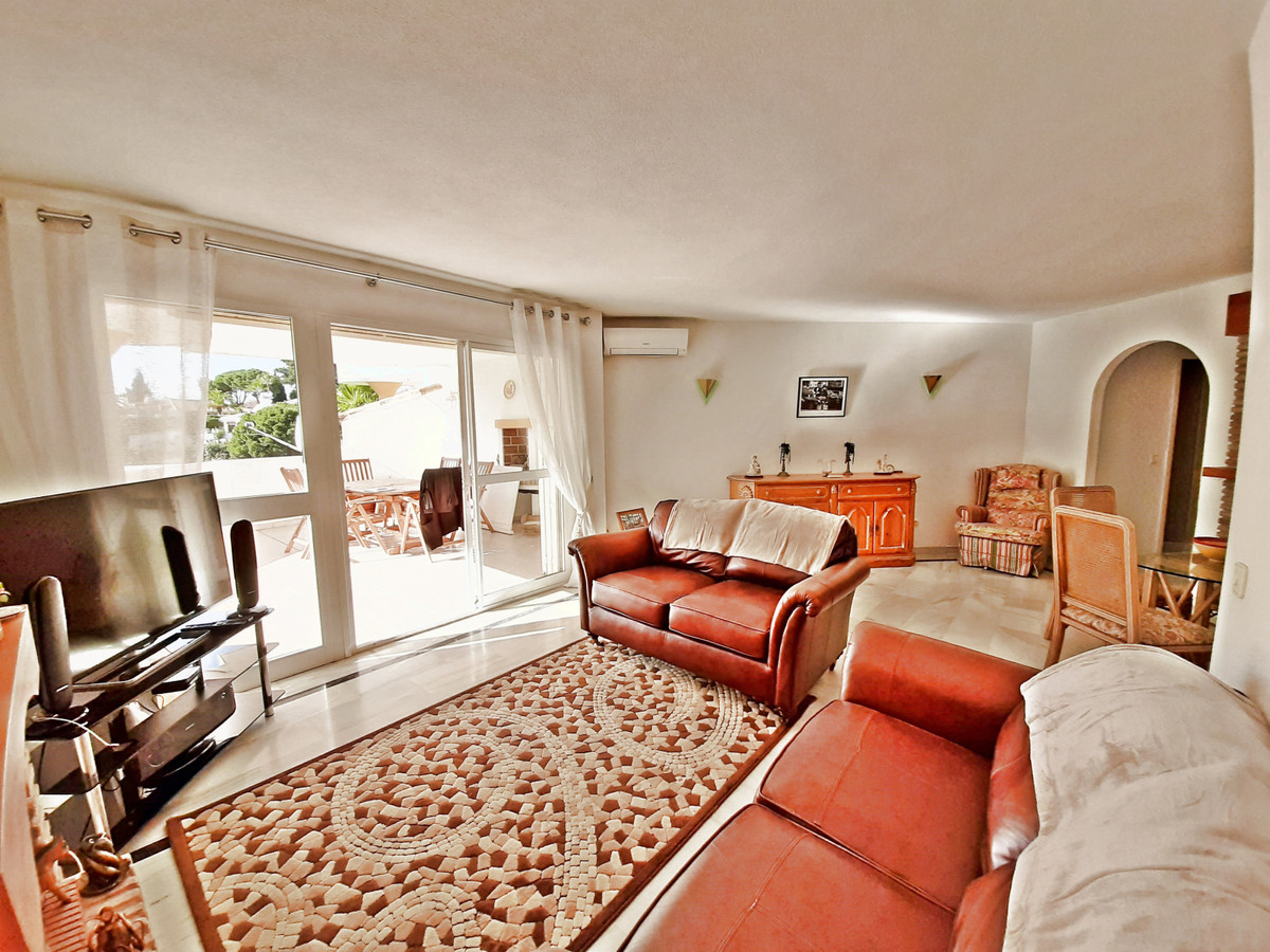 Apartamento en Venta en Calahonda – R3552718