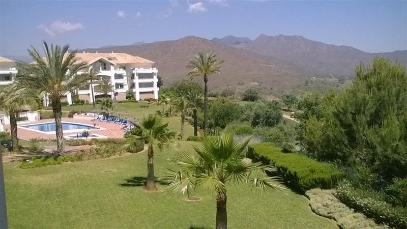 PRICE REDUCED NOW AS IT IS A BANK REPOSSESION  FRONTLINE GOLF....Really nice corner apartment locate, Spain