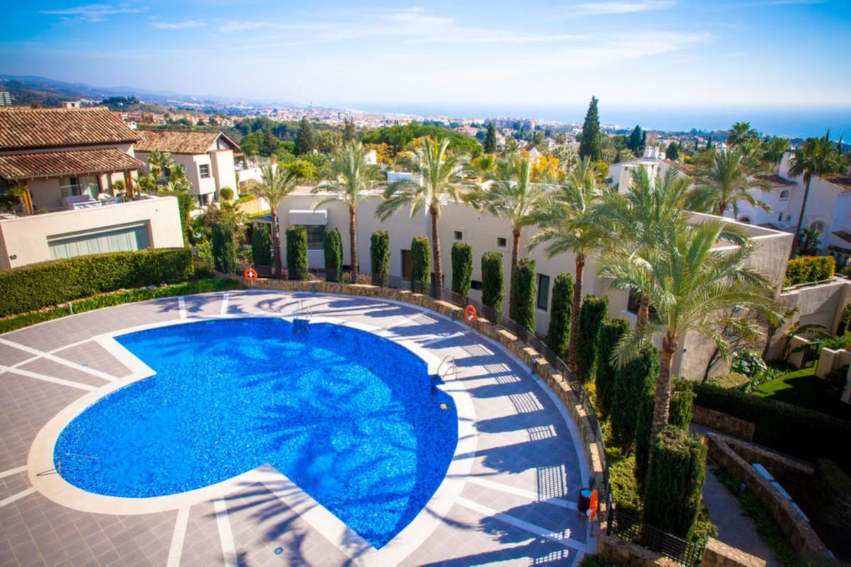 Marbella Banus Apartamento Planta Media en Venta en Sierra Blanca – R3703172