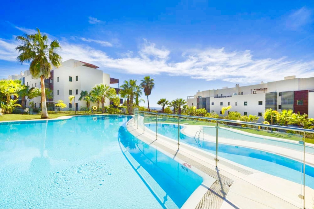 BRIGHT & MODERN 2 BED APARTMENT WITH STUNNING VIEWS & LARGE WEST FACING TERRACE, HOYO 19,  L,Spain