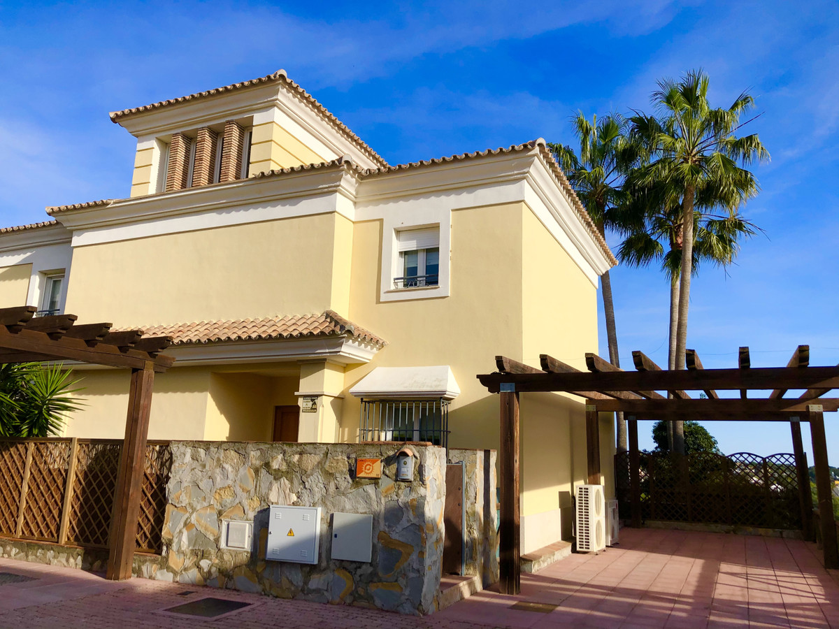 Detached Villa in Santa Clara
