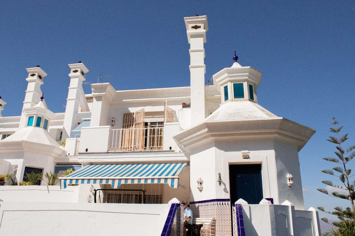 For sale  at the  lower part of the urbanization  El Lagar , a great semi-detached corner villa that,Spain