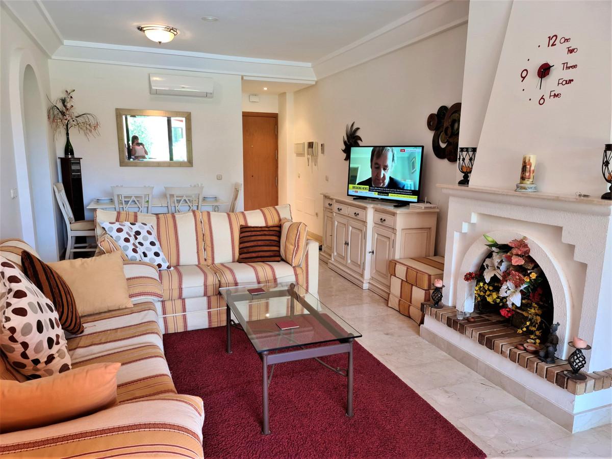 Apartamento en Venta en Calahonda – R3892804