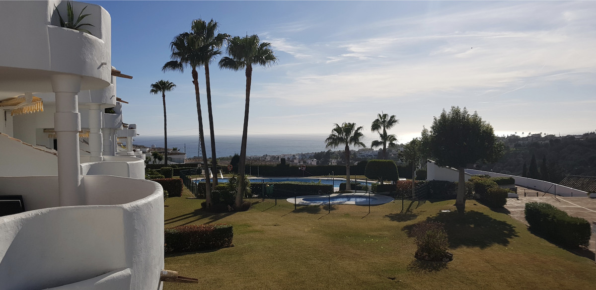Bargain! in Calahonda! 15 km from Marbella and 15 km from Fuengirola, FANTASTIC APARTMENT WITH BEAUT,Spain