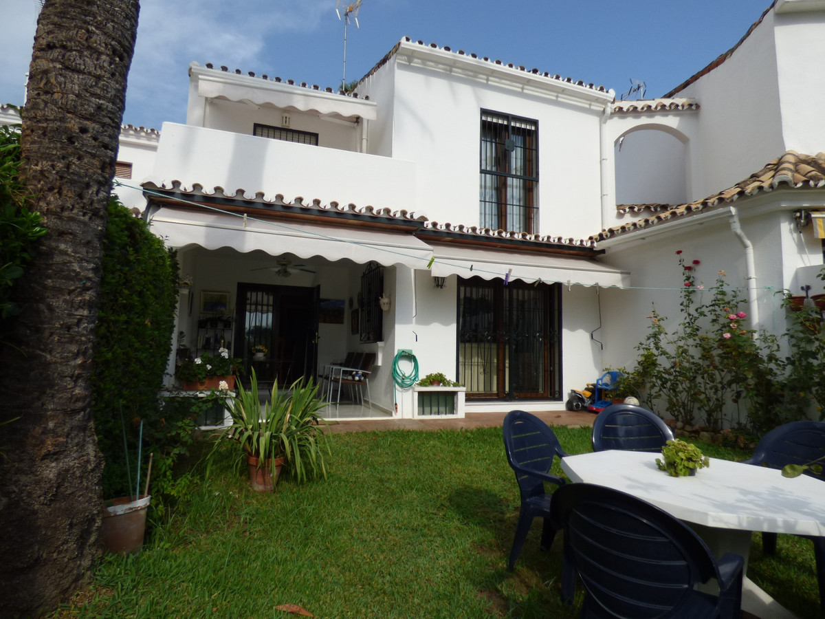 Superb five bedrooms, three bathrooms, west facing house, 256sqm built and terrace of 29sqm, located, Spain