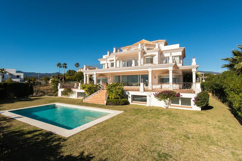 Marbella Banus Villa – Chalet en venta en Los Flamingos – R2721611