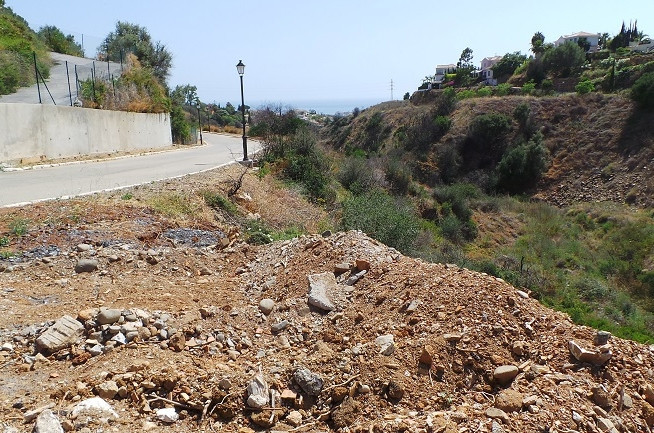 Land to built one villa on Marbella´s East, just a few minutes driving from  Marbella or Puerto Banu,Spain