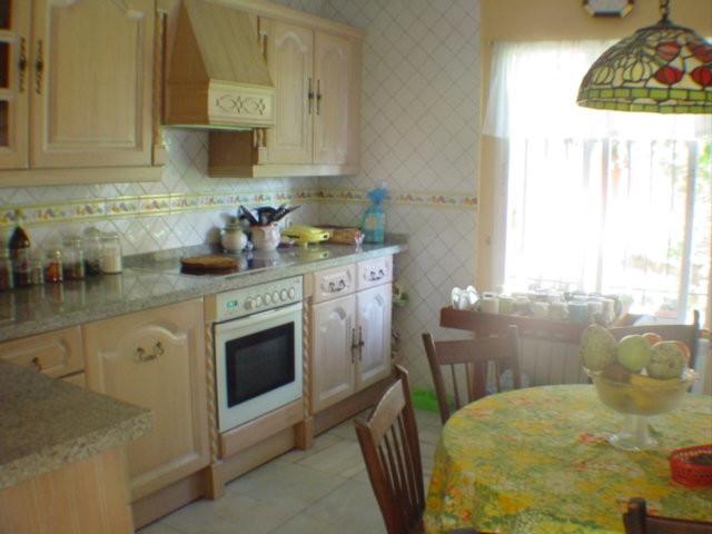 Villa – Chalet en venta en Marbella – R2720120
