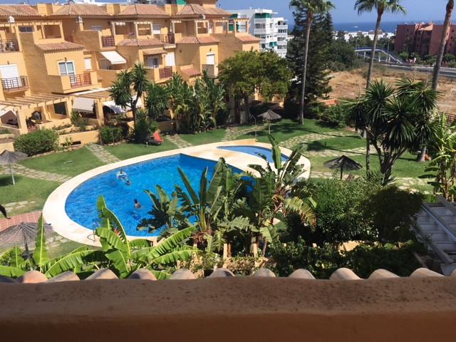 Marbella Banus Adosada en Venta en New Golden Mile – R3251689