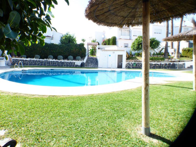 Marbella Banus Adosada en venta en New Golden Mile – R3541627