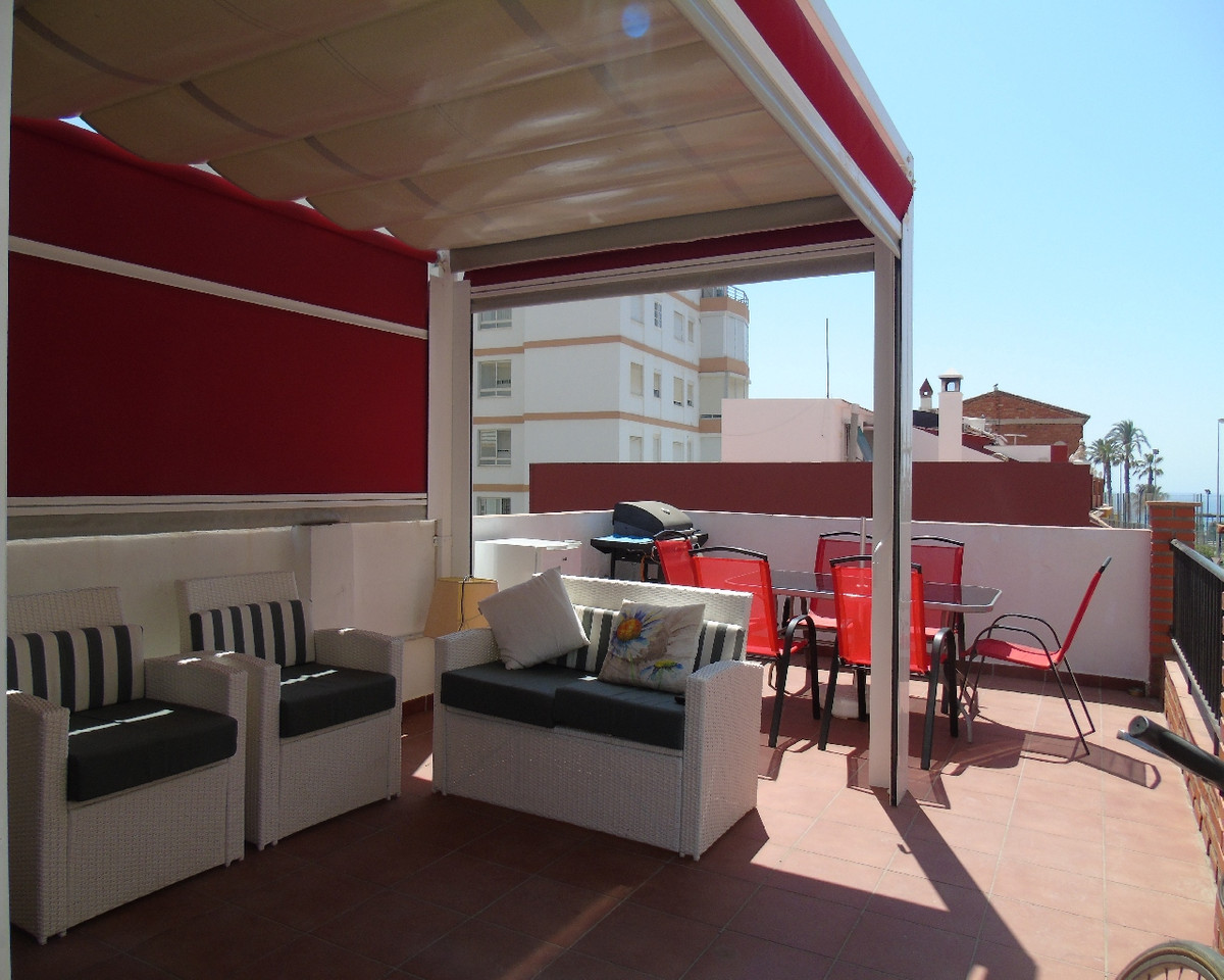 Beautiful townhouse next to the sea in Torre del Mar, Malaga, located 50 meters from the sea. It is ,Spain