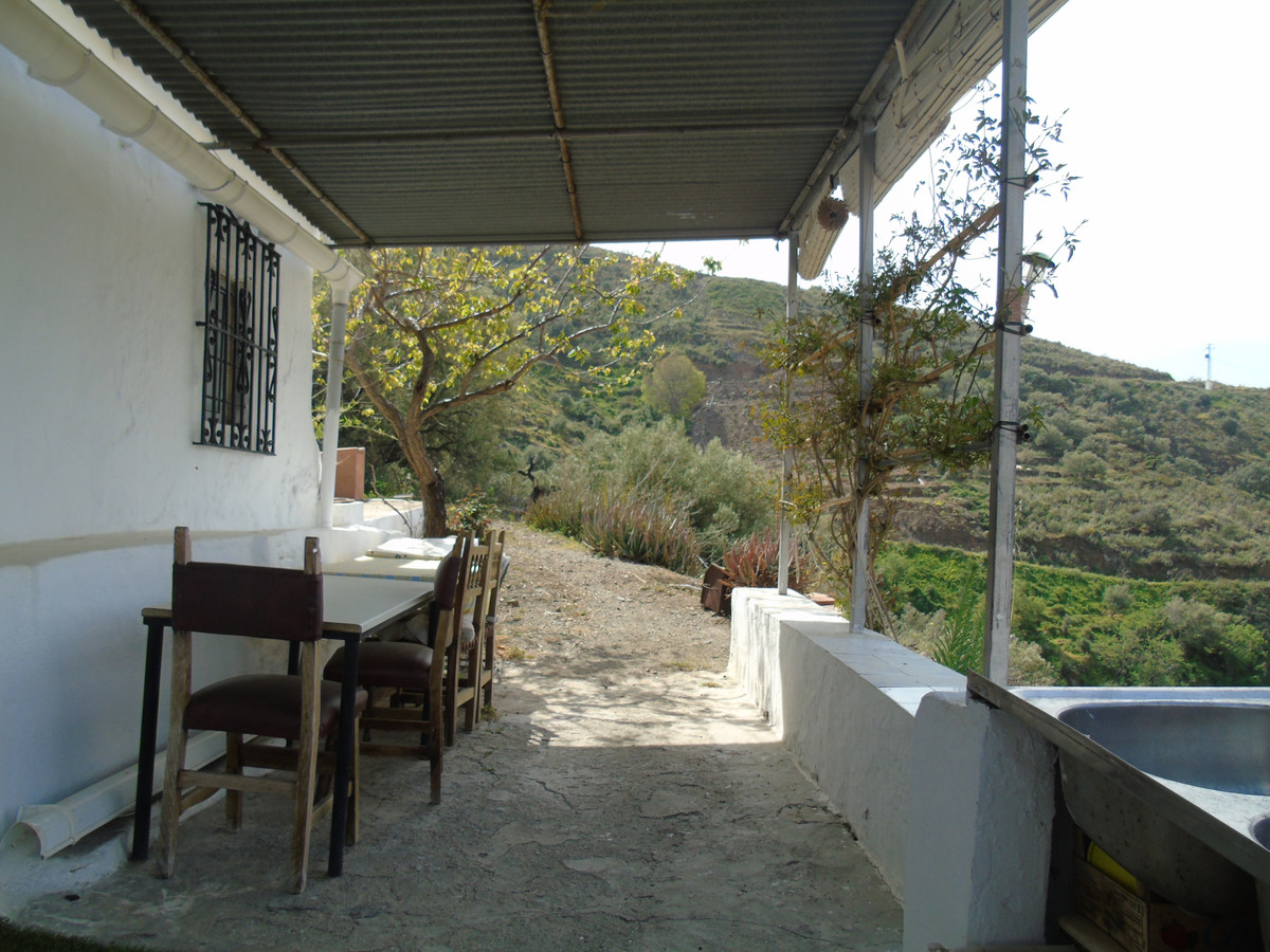 Independent Beautiful country cottage located between the villages of Algarrobo and Sayalonga, with ,Spain