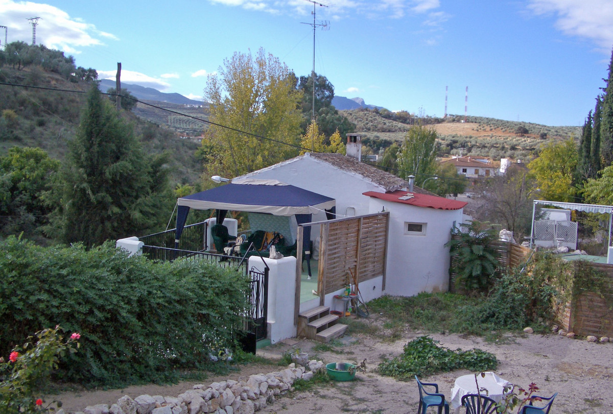 Town house, spacious, for sale in Rio cold, Loja, Granada. The house is very close to the restaurant, Spain