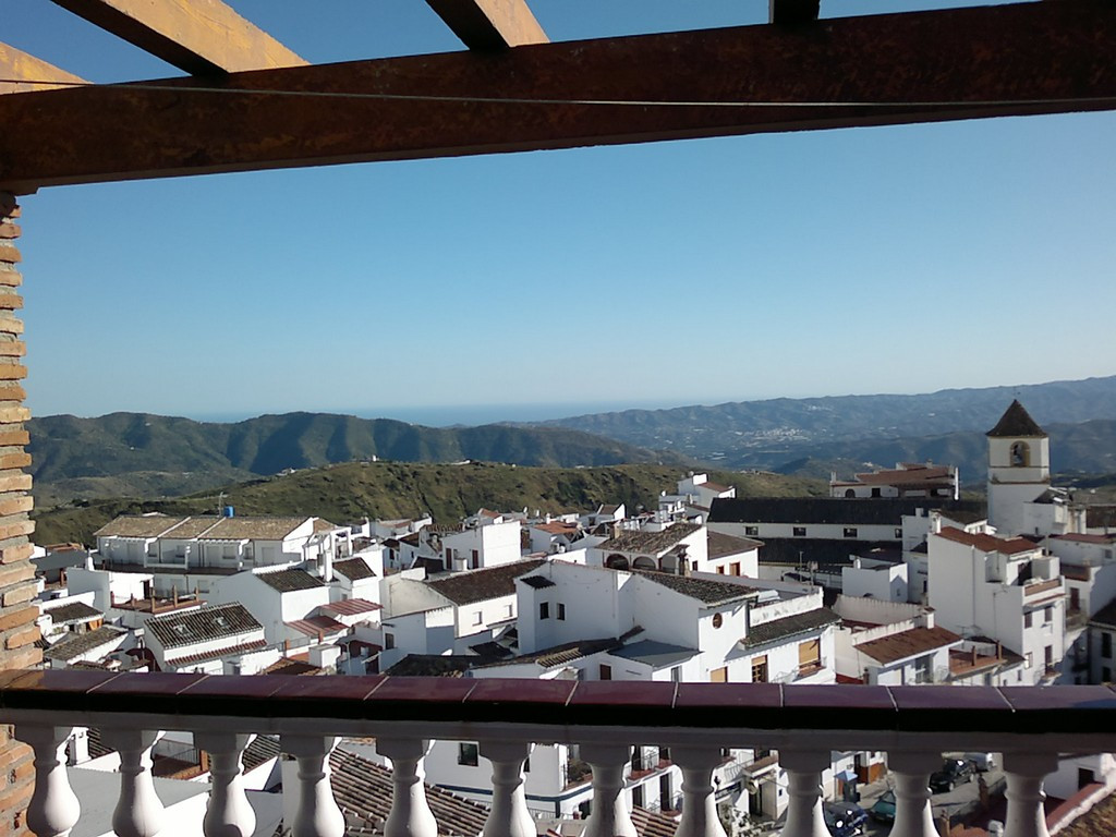traditional Andalusian house in the centre of Quills de Aceitunos, with wonderful views of the mount,Spain