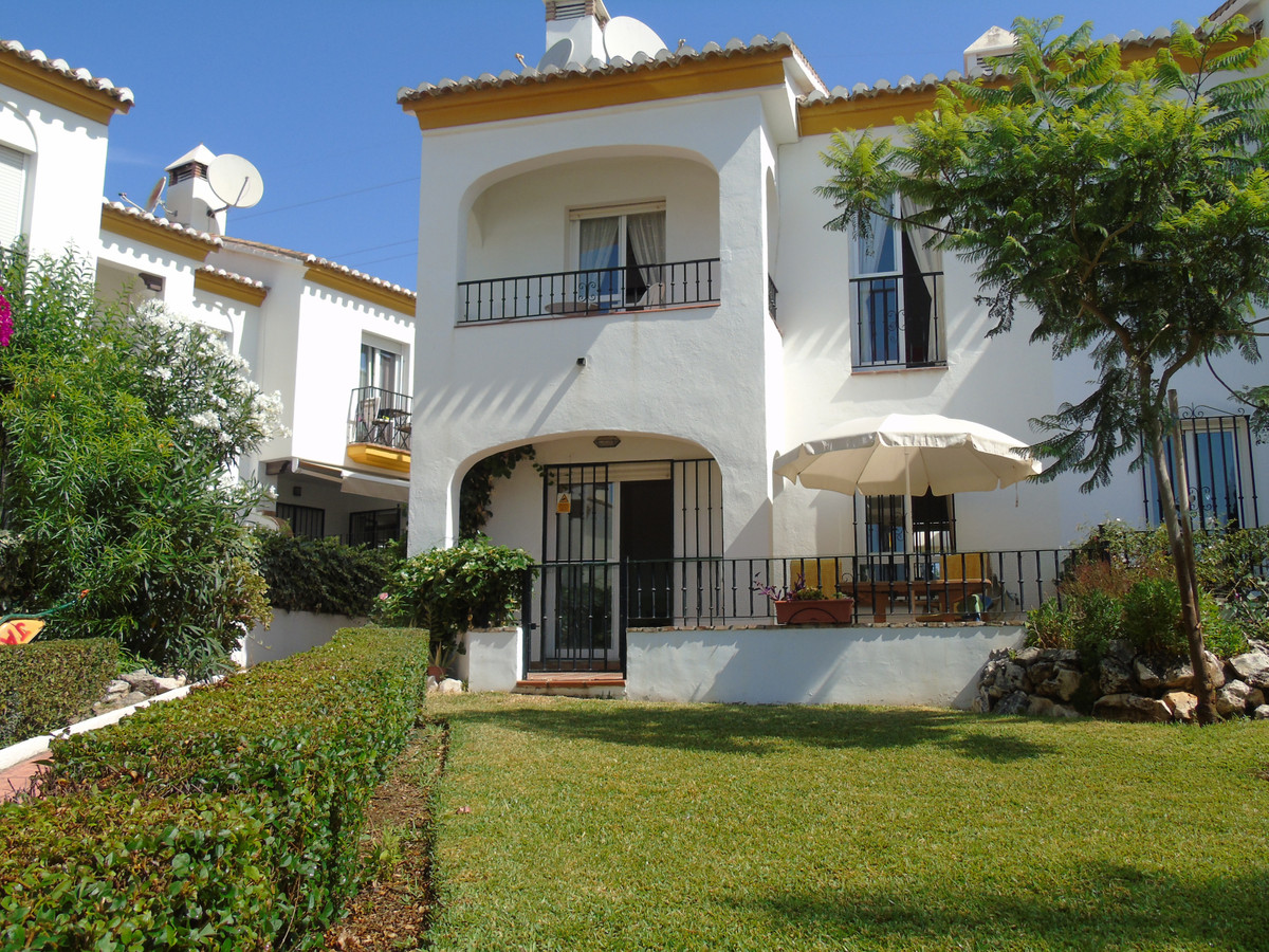 Great townhouse in Caleta de Velez. It is a very bright and south facing townhouse being able to enj, Spain