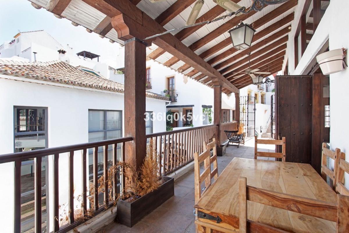 Marbella Banus Apartamento en Planta Última en Venta en Benahavís – R3736468