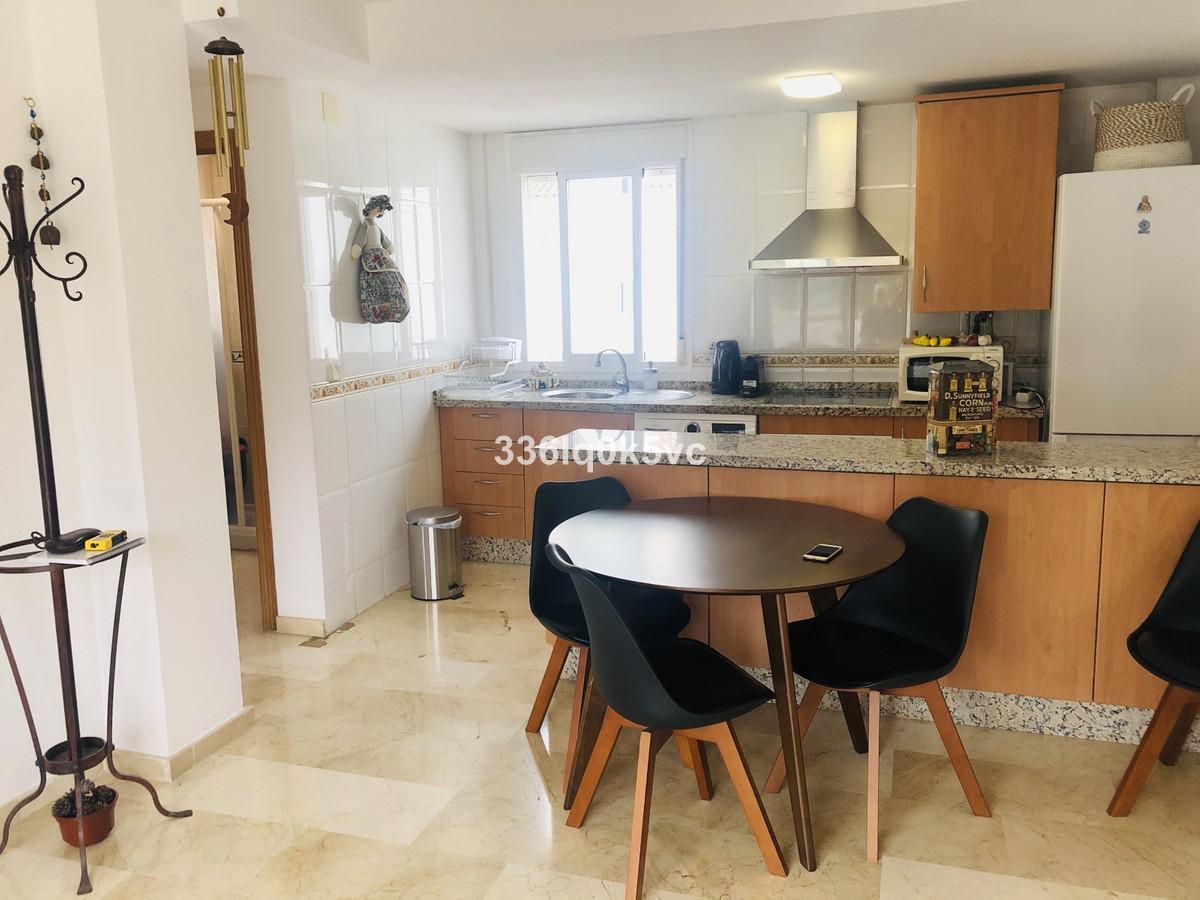 R3736795 | Penthouse in Benahavís – € 145,000 – 2 beds, 2 baths