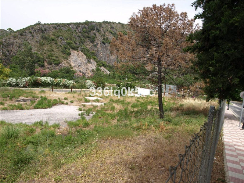 Excellent comercial building plot in a unique strategic place at the entrance of town. Located at th, Spain