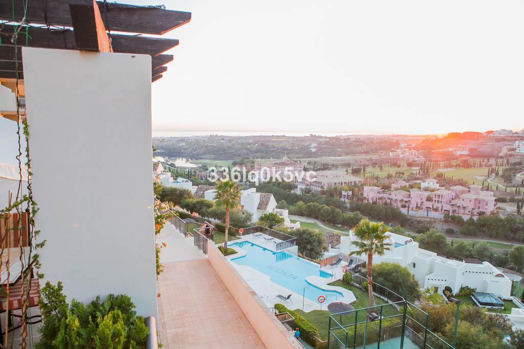 Marbella Banus Apartamento Planta Media en Venta en Benahavís – R3736162