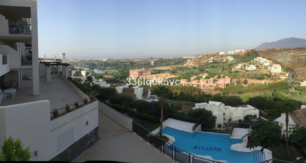 Apartamento Planta Media en Venta en Benahavís – R3736162