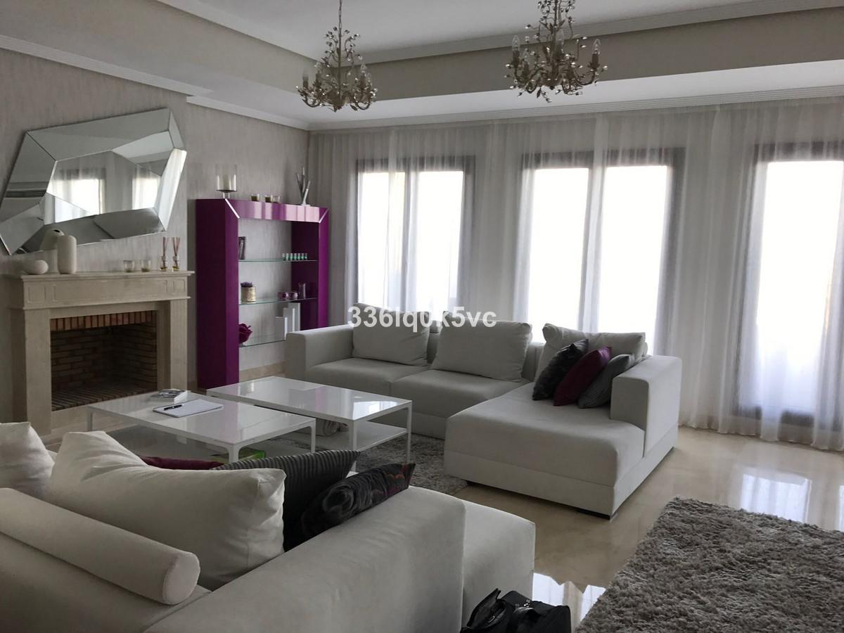 Villa – Chalet en Venta en Benahavís – R3736303