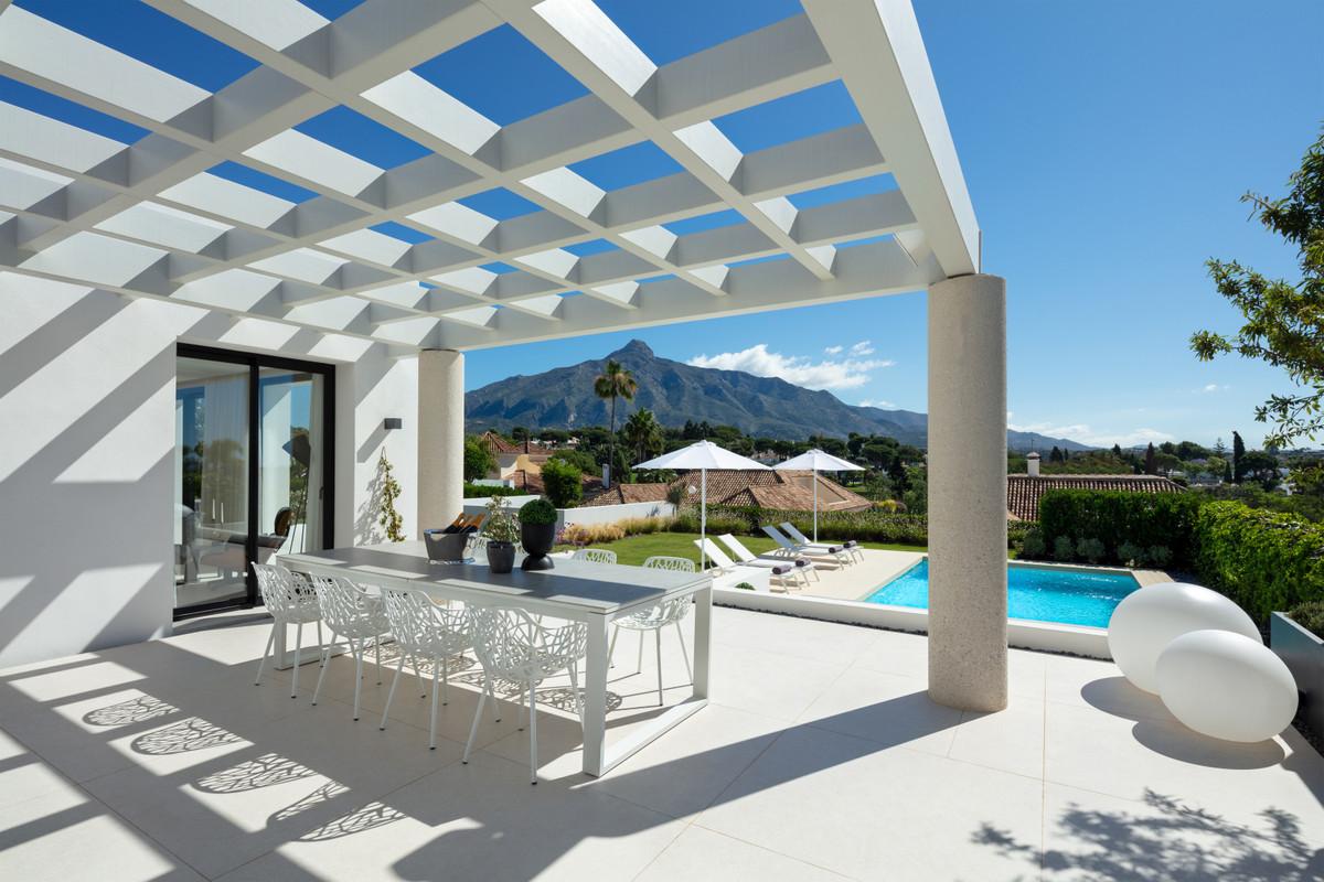 House en Aloha R3699167 4