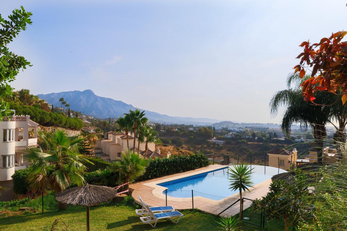Marbella Banus Apartamento en Venta en Benahavís – R3722552