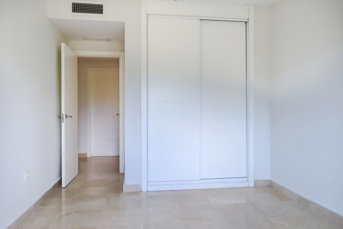 Apartamento Planta Baja en Venta en New Golden Mile – R3728689