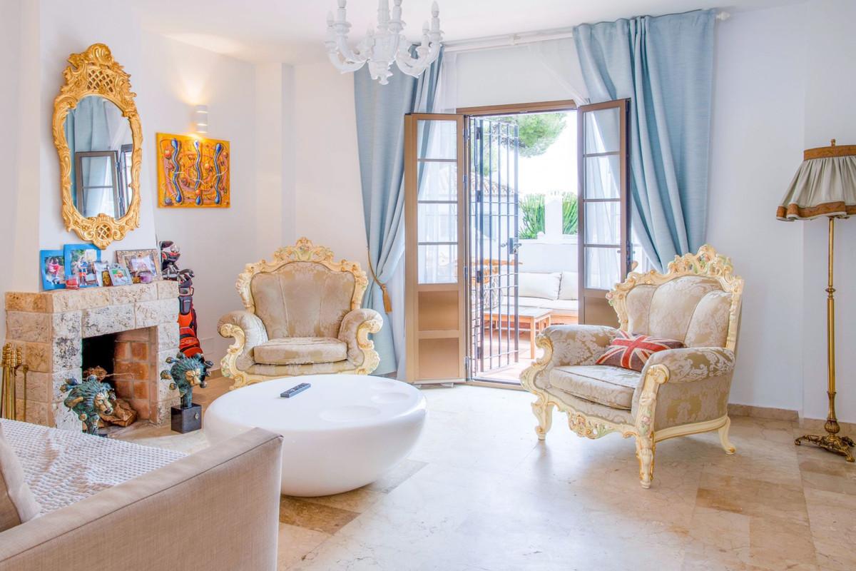 Apartamento en Venta en New Golden Mile – R3862639