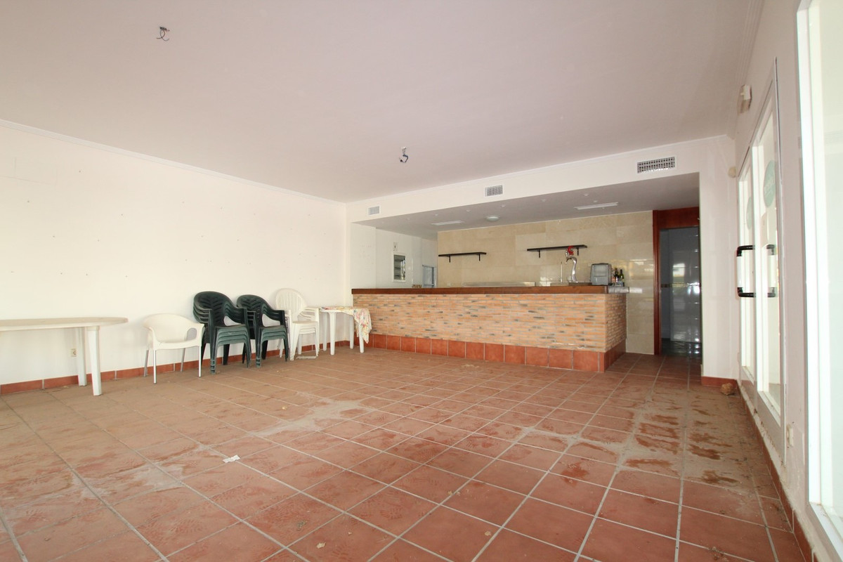 This is a great opportunity to own a very unique freehold commercial property located within a front, Spain
