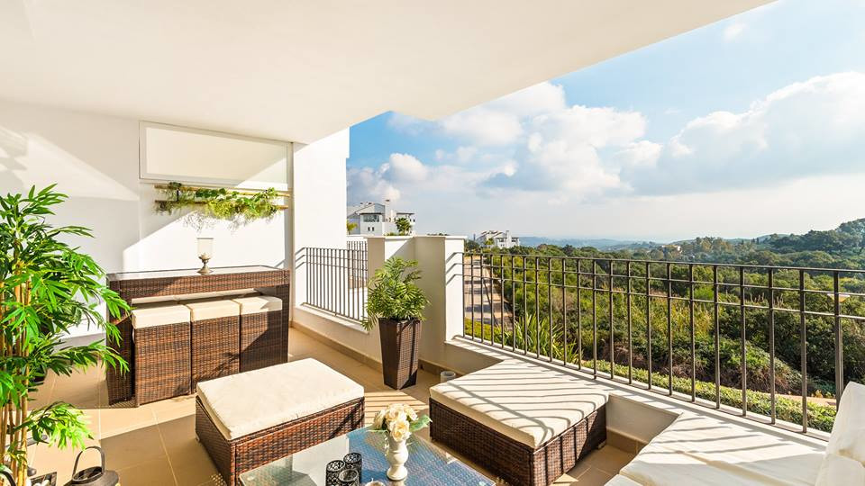 The cheapest apartment in the complex.  Modern and bright 2 bedrooms, 2 bathrooms apartment located ,Spain