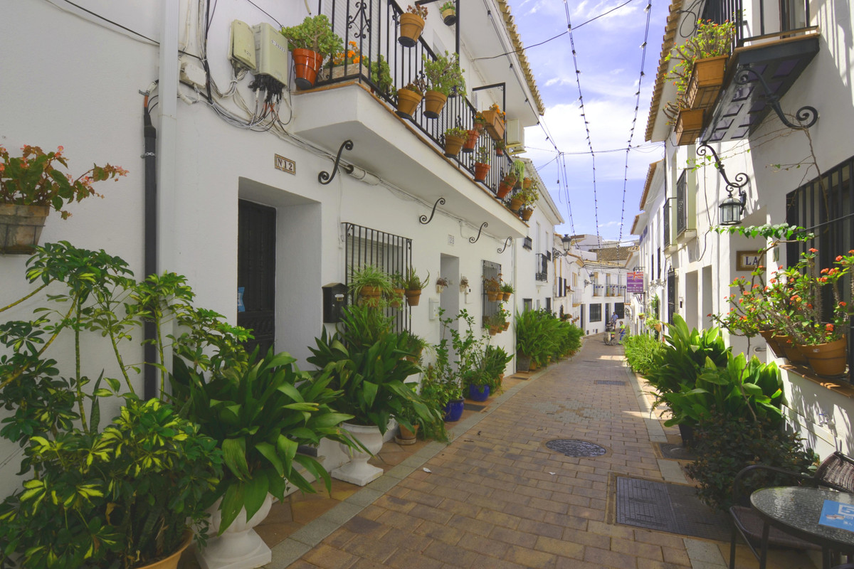 Beautiful town house located in the old and pedestrian area of Benalmadena Pueblo. Perfect for those,Spain