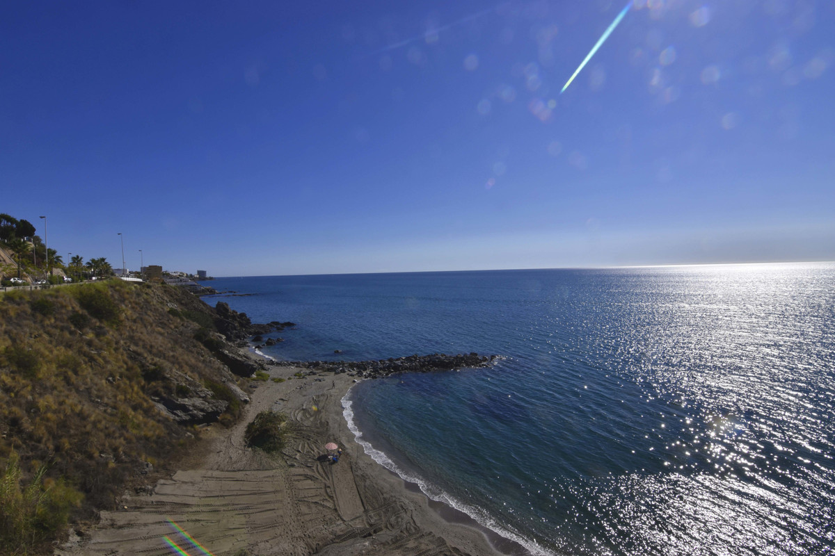 Apartment for sale on the beachfront. With frontal views of the sea. Corner apartment. 120 m2 built ,Spain