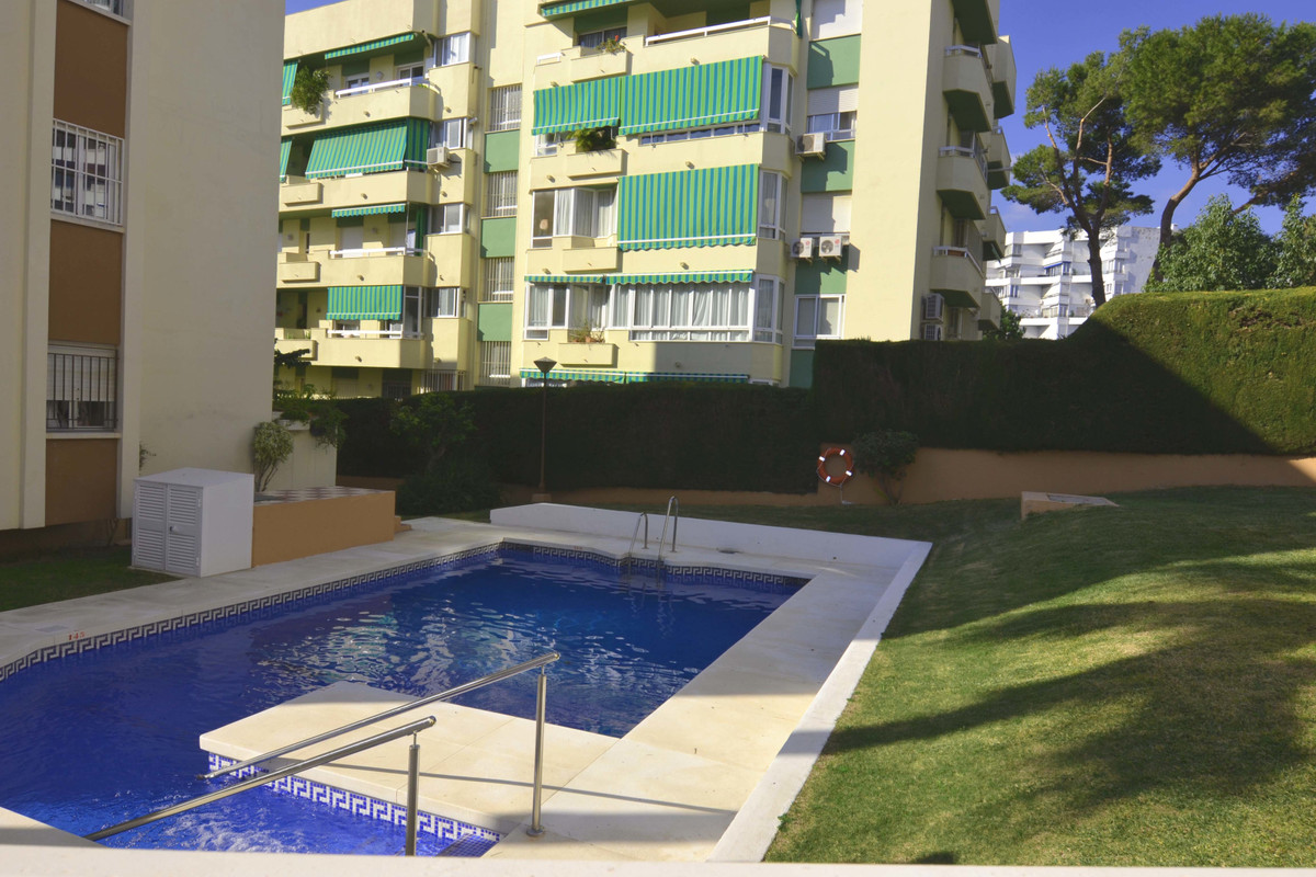 3 bedroom apartment for sale arroyo de la miel