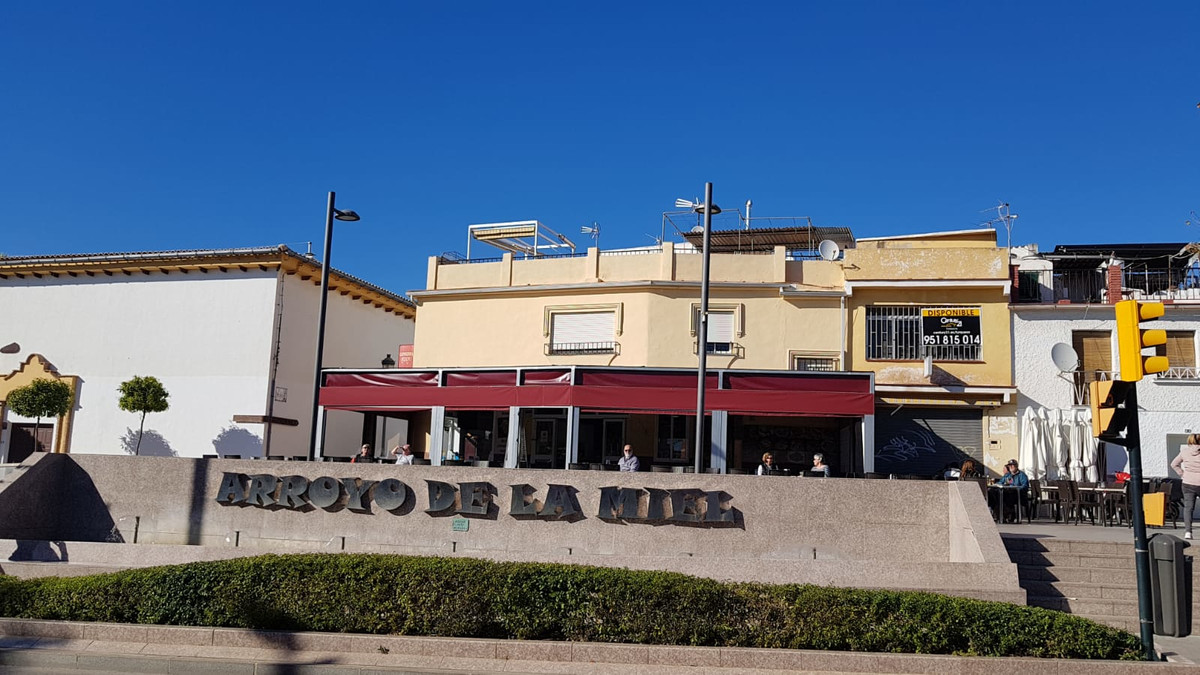 Commercial premises with unbeatable location in the center of Arroyo de la Miel Benalmadena, located, Spain